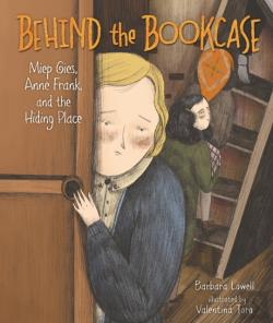 Bertrand.pt - Behind The Bookcase